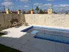 21 piscina e páteo