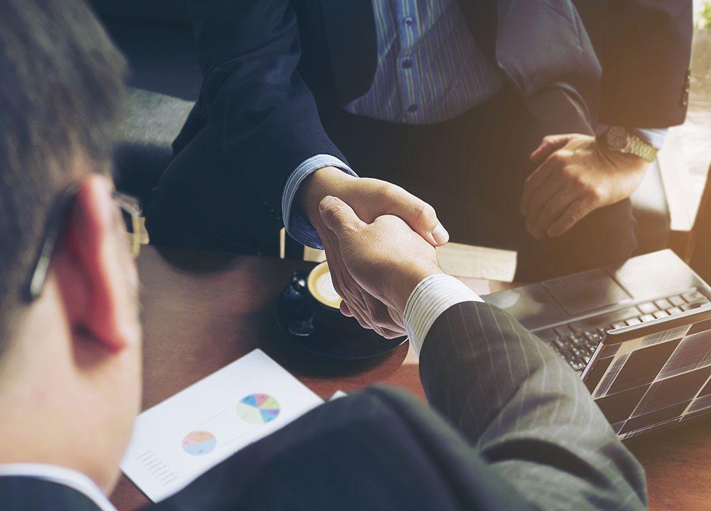 Incorporar um novo empreendimento ao seu requer uma profunda compreensão das operações da empresa e do mercado onde se está inserido.